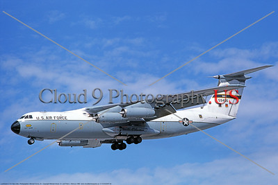 C-141AUSAF 00004 A landing Lockheed C-141A StarLifter USAF 59406 6-1980 military airplane picture by Michael Grove, Sr