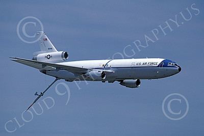 KC-10 00008 A flying Douglas KC-10 Extender USAF 791948 6-1987 military airplane picture by Barry Roop