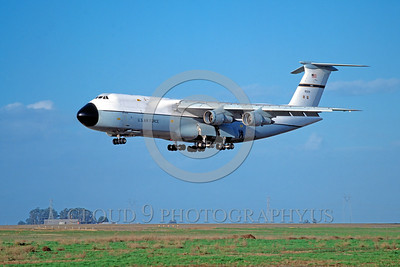 C-5USAF 0008 A landing Lockheed C-5 Galaxy USAF 80214 Travis AFB military airplane picture by Peter J Mancus