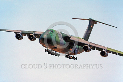 C-5USAF 0026 A landing Lockheed C-5A Galaxy USAF heavy lift cargo jet lizard scheme 3-1990 military airplane picture by Peter J Mancus