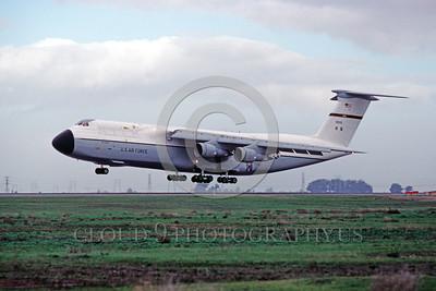 C-5USAF 0016 A landing Lockheed C-5 Galaxy USAF 90010 MAC Travis AFB military airplane picture by Peter J Mancus