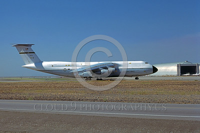 C-5USAF 0017 A taxing Lockheed C-5 Galaxy USAF 70174 NAS Moffett 9-1977 military airplane picture by Michael Grove, Sr