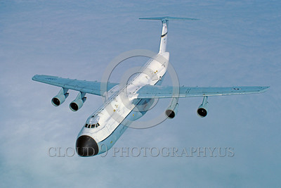 C-5USAF 0006 A flying Lockheed C-5A Galaxy USAF heavy lift cargo jet 8-1984 military airplane picture by Peter J Mancus