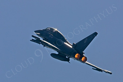 AB - Typ 00016 Eurofighter Typhoon British RAF by Tony Fairey