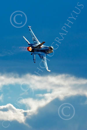 AB - F-16USAF 00121 Lockheed Martin F-16 Fighting Falcon USAF THUNDERBIRD 2004 by Peter J Mancus