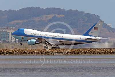 VC-25A 00033 A USAF Boeing VC-25A, 28000, aka Air Force One, with President Obama, takes off at SFO on 21 April 2011, airplane picture, by Peter J Mancus