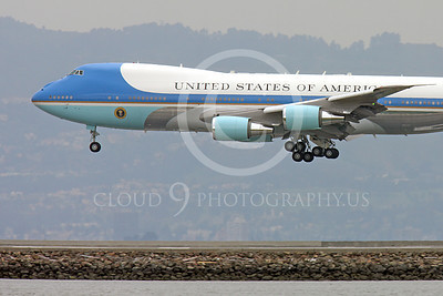 VC-25A 00010 Close up of the nose of a USAF VC-25A, 28000, a Boeing 747-200B, aka Air Force One, about to land at SFO, military airplane picture, by Peter J Mancus