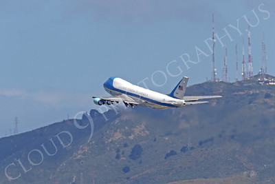 VC-25A 00036 A USAF Boeing VC-25A, 28000, aka Air Force One, climbs for altitude after taking off from SFO on 21 April 2011 carrying President Obama, by Peter J Mancus