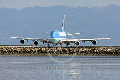 VC-25A 00025 A USAF Boeing VC-25A, 28000, aka Air Force One, takes the runway at SFO on 21 April 2011 with President Obama on board, military airplane picture, by Peter J Mancus