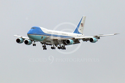 VC-25A 00001 A flying USAF VC-25A, 28000, a Boeing 747-200B, Air Force One, on final approach to land at SFO on 20 April 2011, with President Obama on board, military airplane picture, by Peter J Mancus