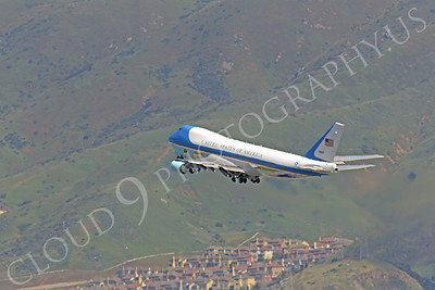 VC-25A 00035 A USAF Boeing VC-25A, 28000, aka Air Force One, climbs for altitude after taking off from SFO on 21 April 2011 carrying President Obama, by Peter J Mancus