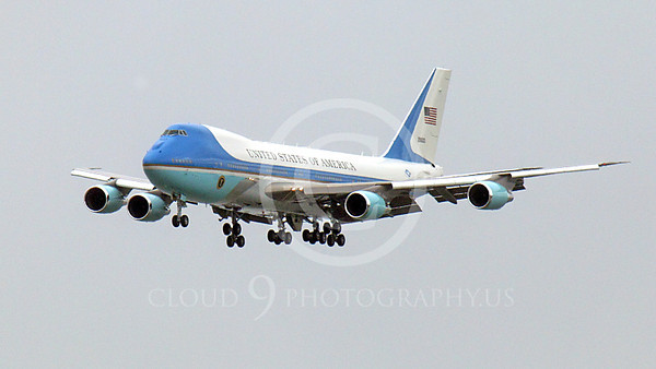 VC-25A 00001A A flying USAF VC-25A, 28000, a Boeing 747-200B, Air Force One, on final approach to land at SFO on 20 April 2011, with President Obama on board, military airplane picture, by Peter J Mancus