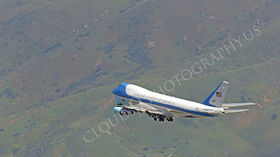 VC-25A 00035A A USAF Boeing VC-25A, 28000, aka Air Force One, climbs for altitude after taking off from SFO on 21 April 2011 carrying President Obama, by Peter J Mancus