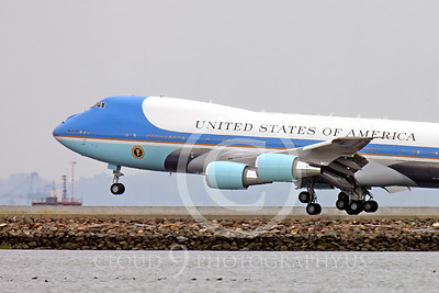 VC-25A 00012 A USAF VC-25A, 28000, a Boeing 747-200B, aka Air Force One, about to land at SFO on 20 April 2011 with President Obama, military airplane picture, by Peter J Mancus