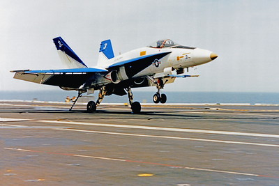 ACCSF18 00008 McDonnell Douglas F-18 Hornet Official US Navy Photograph