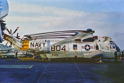 SH-3-USN-HS-5 001 A static USN Sikorsky SH-3D Sea King ASW helicopter, 156491, HS-5 NIGHTDIPPERS, with folded rotary blades, on USS Independence 11-1975 Portsmouth, military helicopter picture by Stephen W  D  Wolf      CCC_0097     Dt
