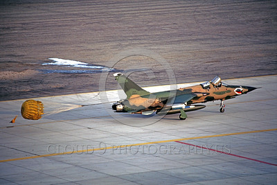 CHUTE-F-105ANG 00002 A Republic F-105G Thunderchief Wild Weasel Georgia ANG taxis with deployed chute MCAS Yuma 3-1985 military airplane picture by Peter J Mancus