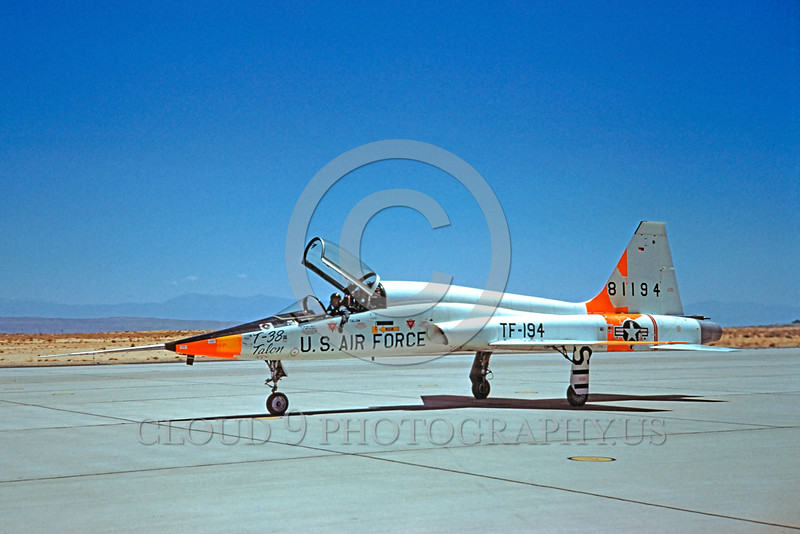 DG-T-38USAF 0003 A taxing day-glow Northrop T-38 Talon USAF jet trainer 81194 military airplane picture by Clay Jansson