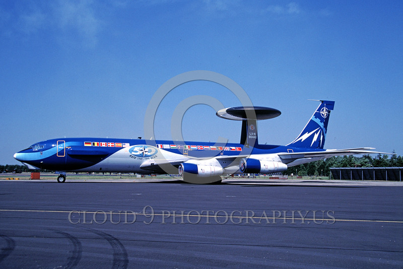 EE-E-3Forg 00001 A static colorful Boeing E-3 Sentry NATO 50 year anniversary color scheme 5-1999 military airplane picture by Peter Elliot