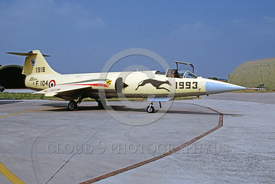 EE-F-104Forg 00006 A static colorful Lockheed F-104 Starfighter Italian Air Force 7-1999 military airplane picture via African Aviation Slide Service