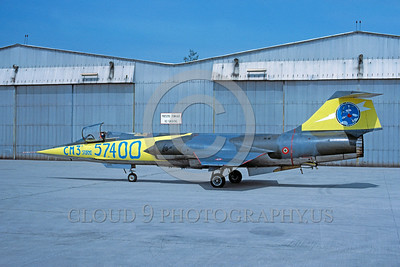 EE-F-104Forg 00020 A static colorful Lockheed F-104 Starfighter Italian Air Force 1-1994 military airplane picture via African Aviation Slide Service