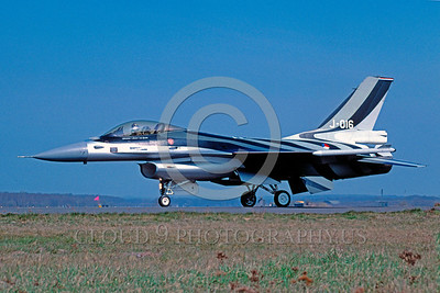 EE-F-16Forg 00002 A taxing colorful Dutch Air Force J-016 Lockheed Martin F-16 Fighting Falcon jet fighter 4-2004 military airplane picture by Raymond Bosselaar