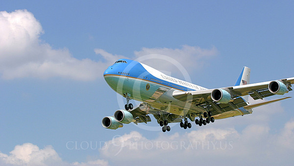 VC-25A 00030A USAF Boeing VC-25A VIP Air Force One military airplane picture, by Tim Perkins