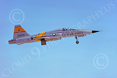 F-5USAF 00016 Northrop F-5E Freedom Fighter USAF 01400 Luke AFB by Peter J Mancus
