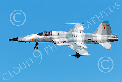 F-5USN 00040 Northrop F-5E Freedom Fighter USN 761564 VFC-13 FIGHTING SAINTS banks to land at NAS Fallon, by Peter J Mancus