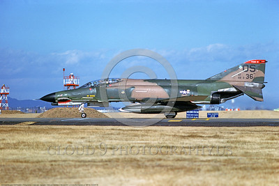 F-4USAF 00099 A taxing McDonnell Douglas F-4E Phantom II USAF 66336 36th TFS 51th CW OS code SHARKMOUTH Yokota AB 12-1981 military airplane picture by T Matsuzaki  DONEwt