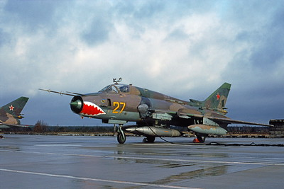 Su-17 00021 A static SHARKMOUTH Sukhoi Su-17 Fitter Soviet Air Force 27 4-1994 military airplane picture by Wilfried Zetsche