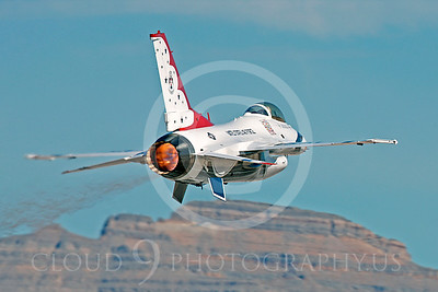 TB - F-16 00040 Lockheed Martin F-16 Fighting Falcon USAF THUNDERBIRDS by Peter J Mancus