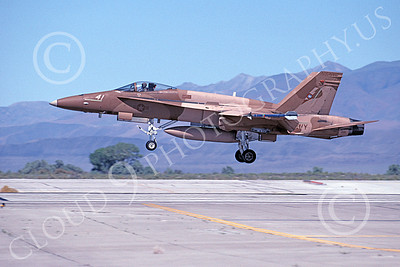 TOPG 00092 A landing brown McDonnell Douglas F-18A Hornet USN 162901 TOP GUN NAS Fallon 6-2000 military airplane picture by Michael Grove, Sr
