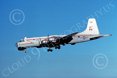 Canadir CP-107 Argus 00002 A landing RCAF Canadir CP-107 Argus 720 9-1977 military airplane picture by Michael Grove, Sr
