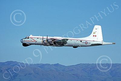 Canadir CP-107 Argus 00006 A flying RCAF Canadir CP-107 Argus 712 1-1980 military airplane picture by Michael Grove, Sr