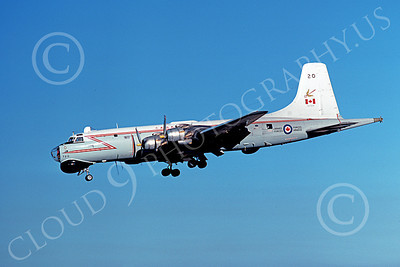 Canadir CP-107 Argus 00002 A landing RCAF Canadir CP-107 Argus 720 9-1977 military airplane picture by Michael Grove, Sr