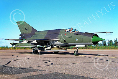 MiG-21 00065 A taxing Mikoyan-Guryevich MiG-21BIS Fishbed Finnish Air Force MG-138 Oulu 6-1994 military airplane picture by Jyrki Laukkanen