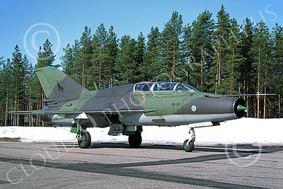 MiG-21 00011 A static Mikoyan-Guryevich MiG-21BIS Mongol Finnish Air Force MK-106 in snow 2-1994 military airplane picture by Jyrki Laukkanen