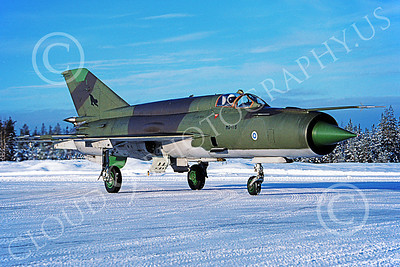 MiG-21 00063 A taxing Mikoyan-Guryevich MiG-21BIS Fishbed Finnish Air Force MG-116 in snow 2-1994 military airplane picture by Jyrki Laukkanen