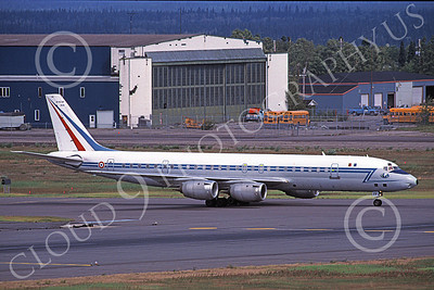 DC-8Forg 00011 A taxing Douglas DC-8 French Air Force 46130 9-2001 military airplane picture by Max Hastings