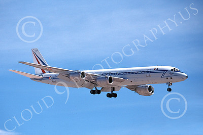 DC-8Forg 00012 A landing Douglas DC-8 French Air Force 46043 4-1980 military airplane picture by Michael Grove, Sr