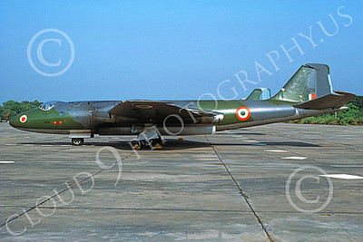Canberra 00001 A static English Electric Canberra jet bomber Indian Air Force 01191 10-1990 military airplane picture by P Steinemann