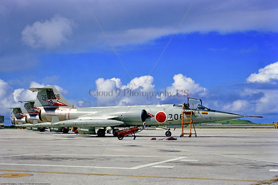 F-104-Japan 001 A static line up of Lockheed F-104 Starfighters, JASDF Japanese Air Self Defense Force fighter-interceptors, 76-8706, 1988, military airplane picture by Stephen W  D  Wolf     CC_0271     Dt