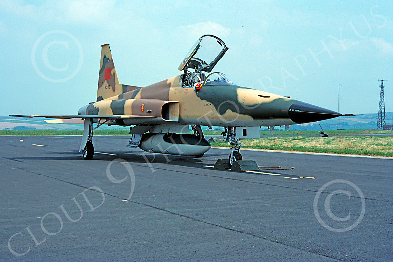 FRA: Photos F-5 marocains / Moroccan F-5  - Page 12 F-5Forg%2000063%20Northrop%20F-5E%20Freedom%20Fighter%20Morracan%20Air%20Force%2091933%20August%201981%20via%20African%20Aviation%20Slide%20Service-L