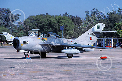 MiG-15UTI 00013 A static Mikoyan-Guryevich MiG-15UTI Fagot Pakistani Air Force 551610 2-2002 military airplane picture by Ben Harper