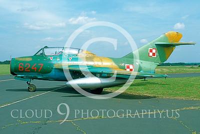 MiG-15 00001 Mikoyan-Gureyvich MiG-15UTI Fagot Polish Air Force via AASS