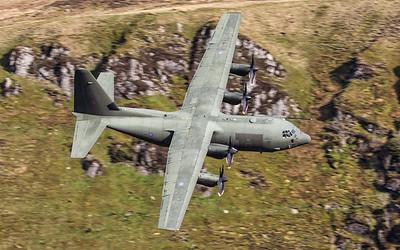 ROYAL AIR FORCE_LOCKHEED C-130J_ZH888_SWJ_030517_(2)