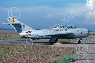 MiG-15UTI 00011 A taxing Mikoyan-Guryevich MiG-15UTI Fagot Sri Lanka Air Force 4-1996 military airplane picture by P Steinemann