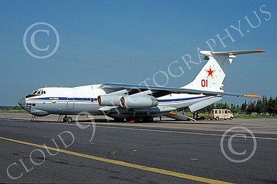 Il-76 00019 A static Ilyushin Il-76 Candid Soviet Air Force jet transport 5-1991 military airplane picture by Wilfried Zetsche