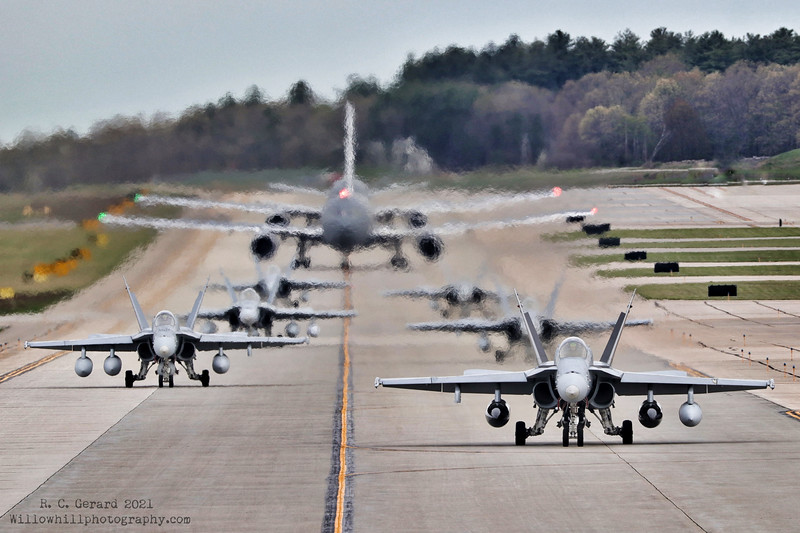 F/A-18C<br /> 91 [164950] WK 00<br /> 92 [165206] WK 04<br /> 93 [164887] WK 02<br /> 94 [164976] WK 10<br /> 95 [165171] WK 12<br /> 96 [164740] WK 14<br /> KC-46A<br /> GOLD42 [18-46047]<br /> GOLD43 [16-46020]<br /> At KPSM